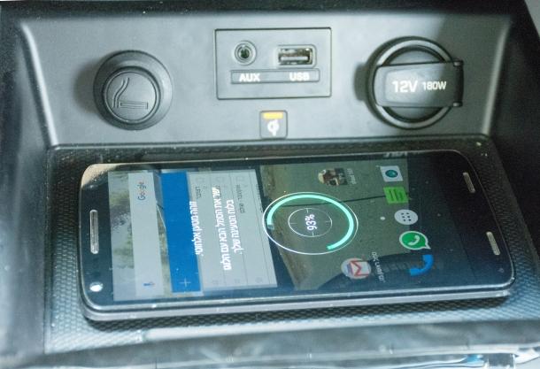 משטח טעינה אלחוטי לטלפונים ניידים