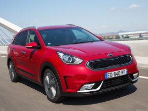 kia-niro_eu-version-2017-1600-1b