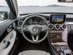 Mercedes-Benz-C350e-2017-1600-28